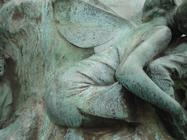 Sculpture Peter Pan