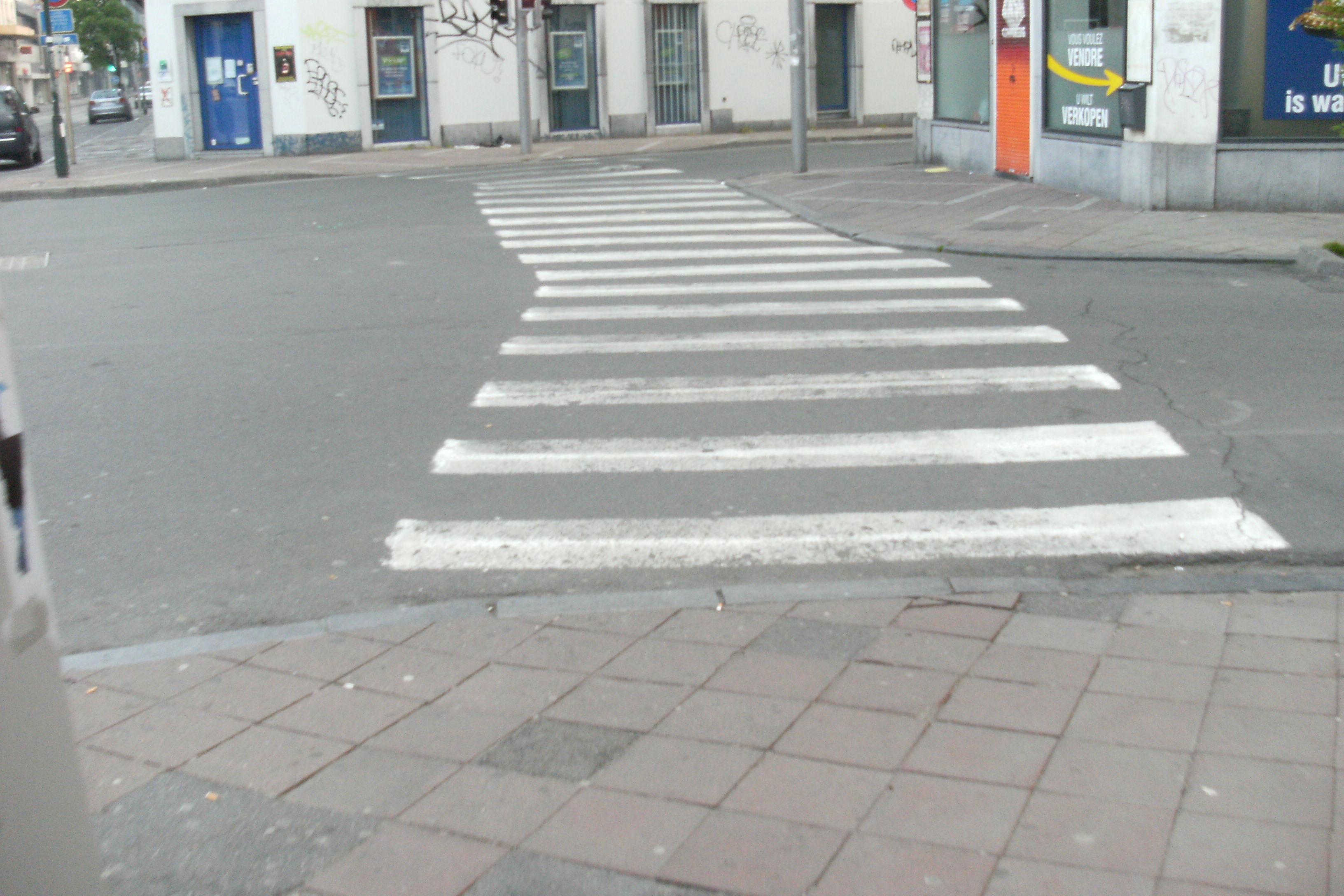 carrefour chaussée d'Ixelles rue de la Paix