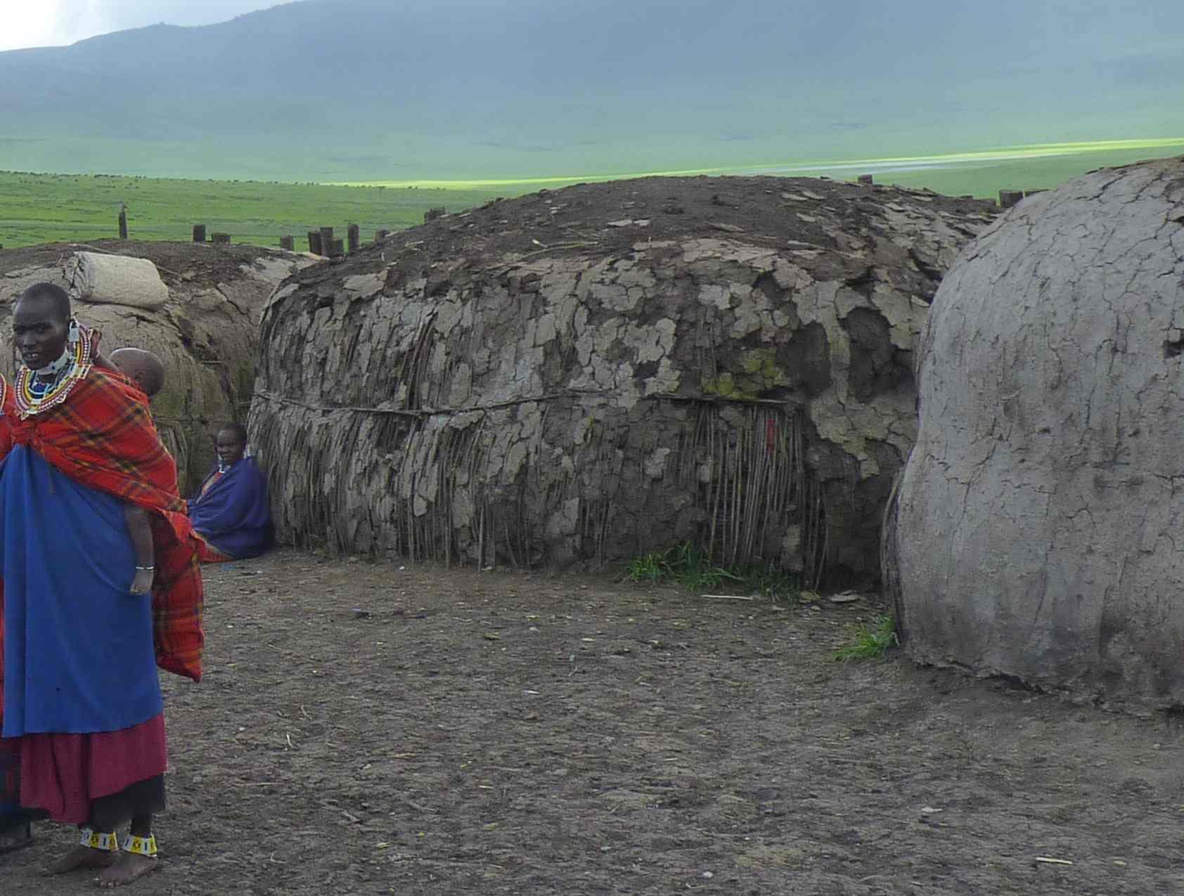 A chacun sa hutte. Massaïs de Tanzanie 2010.